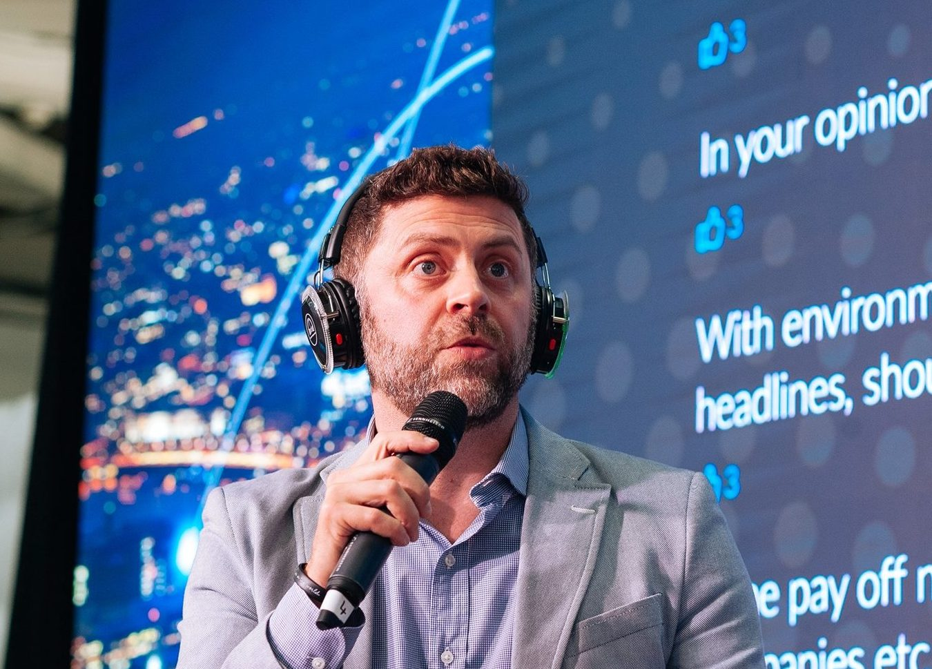 Headsets for Seminars, Events, Conferences and Exhibitions